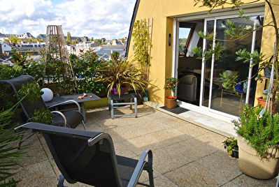 T4 Duplex avec terrasses, cave, parking