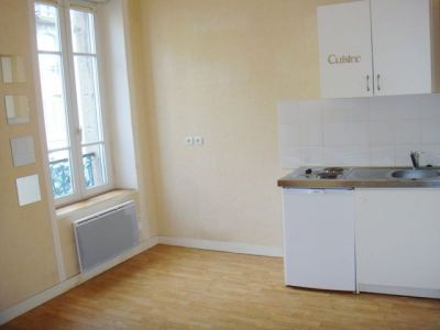 LOCATION BREST SAINT MICHEL APPARTEMENT T1 BIS 32m²