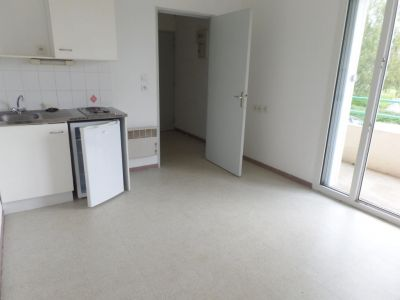 LOCATION BREST KERINOU STUDIO 19M² BALCON PARKING