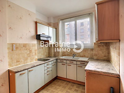 LOCATION APPARTEMENT T2  45m2 - CENTRE VILLE