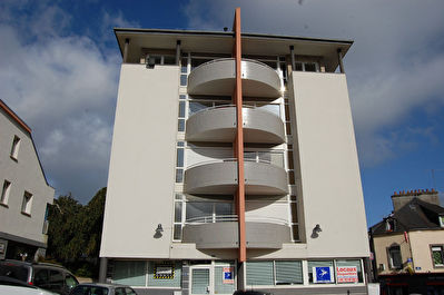 LE RELECQ KERHUON APPARTEMENT T3